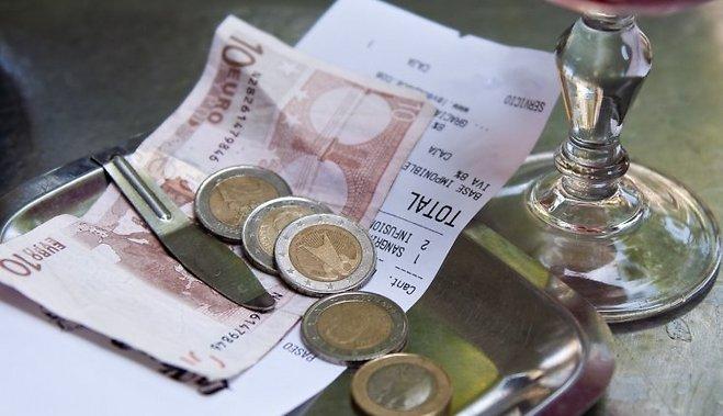 Что такое чаевые для официанта и как их заработать2