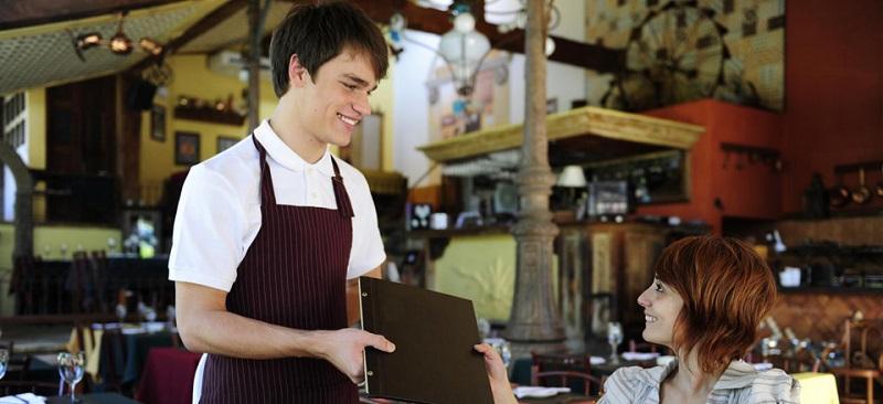 10 правил хорошего официанта2