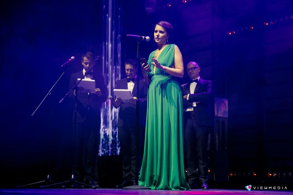 Слова благодарности участникам фестиваля выражает Надежда Макова, генеральный продюсер EuBea 216 в России